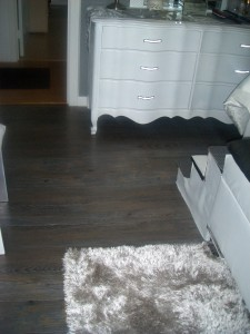self adhesive vinyl floor planks