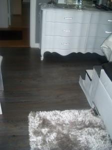 self adhesive vinyl floor planks